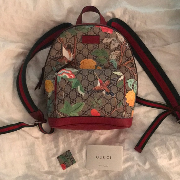 Gucci Handbags - Gucci Tian GG Supreme Backpack a5d22f8617412